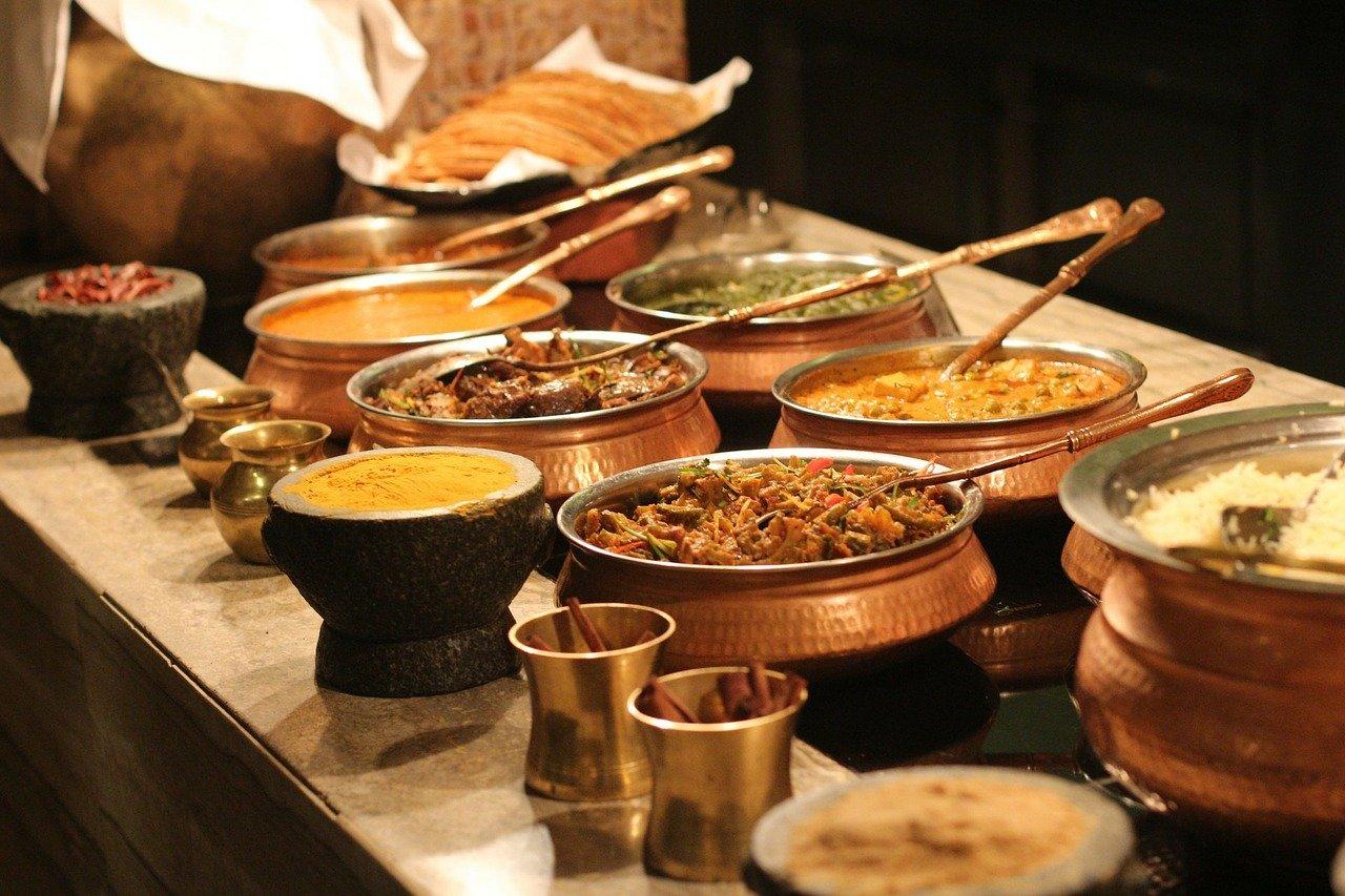 Przegląd ofert firm cateringowych